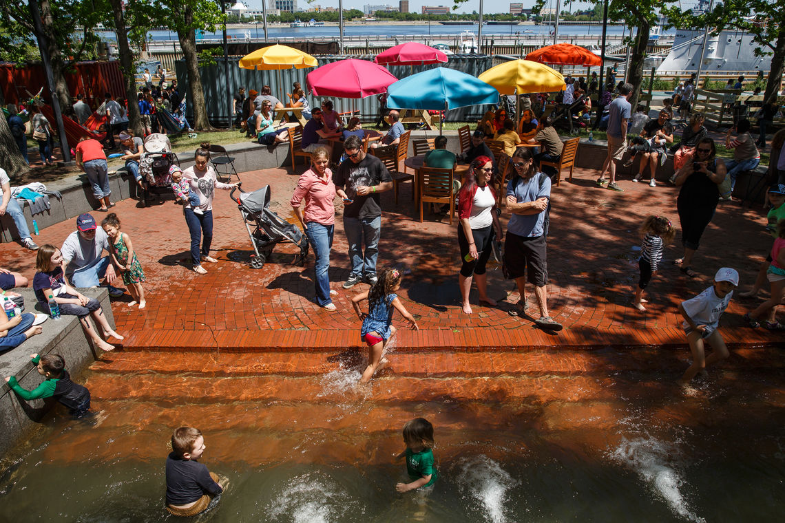 Spruce Street Harbor Park Presented by Univest/Valley Green Bank