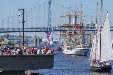 parade of sail crowd