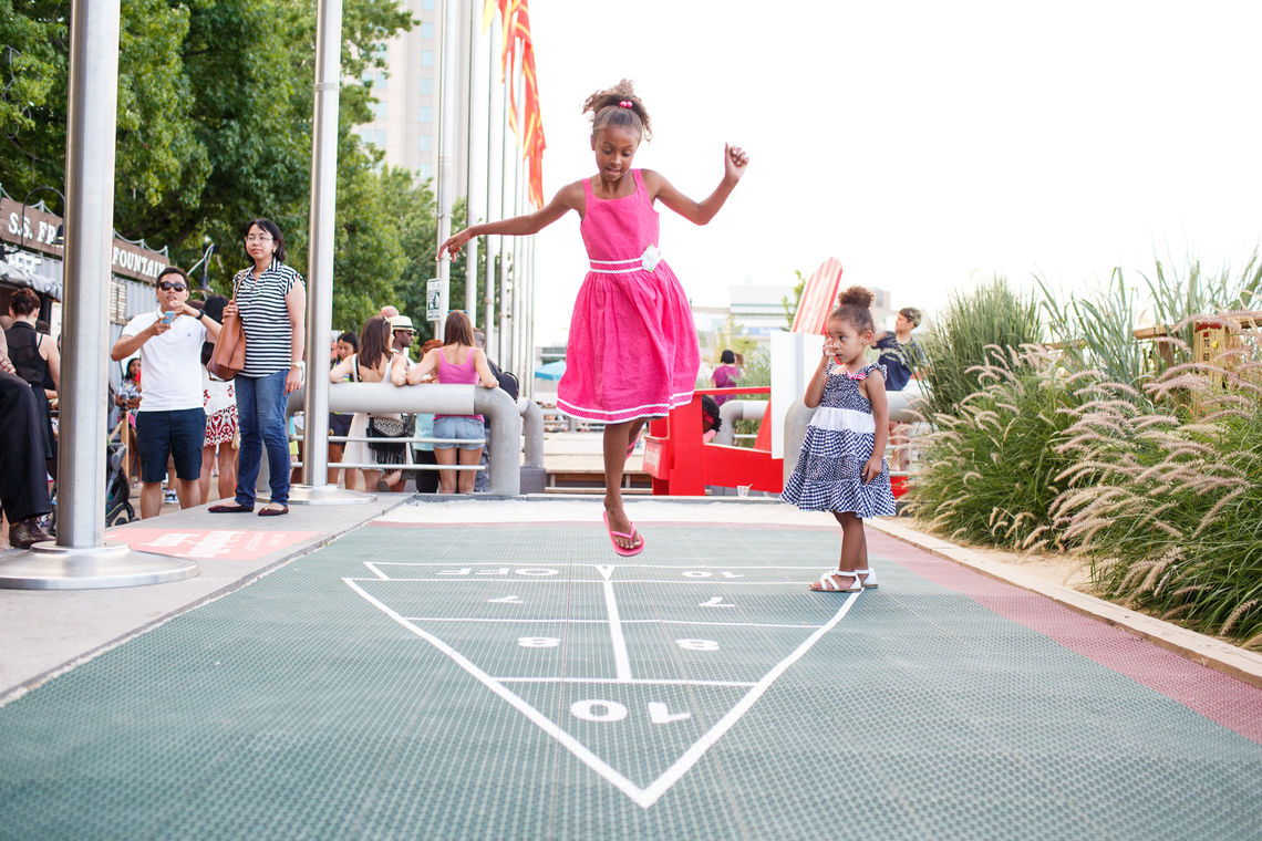 A carefree day at Spruce Street Harbor Park Presented by Univest/Valley Green Bank